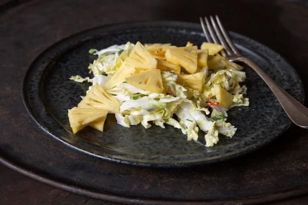 Chinakohl-Salat mit Ananas