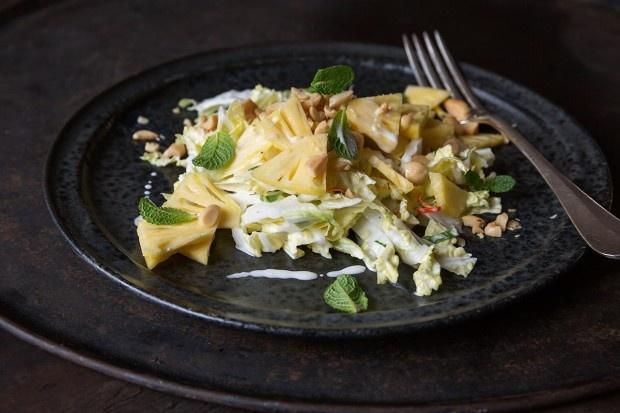 Chinakohl-Ananas-Salat mit Zitronengras