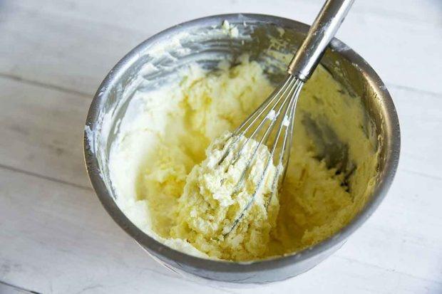 Zitronenmasse mit Mascarpone und Rahm für Glace