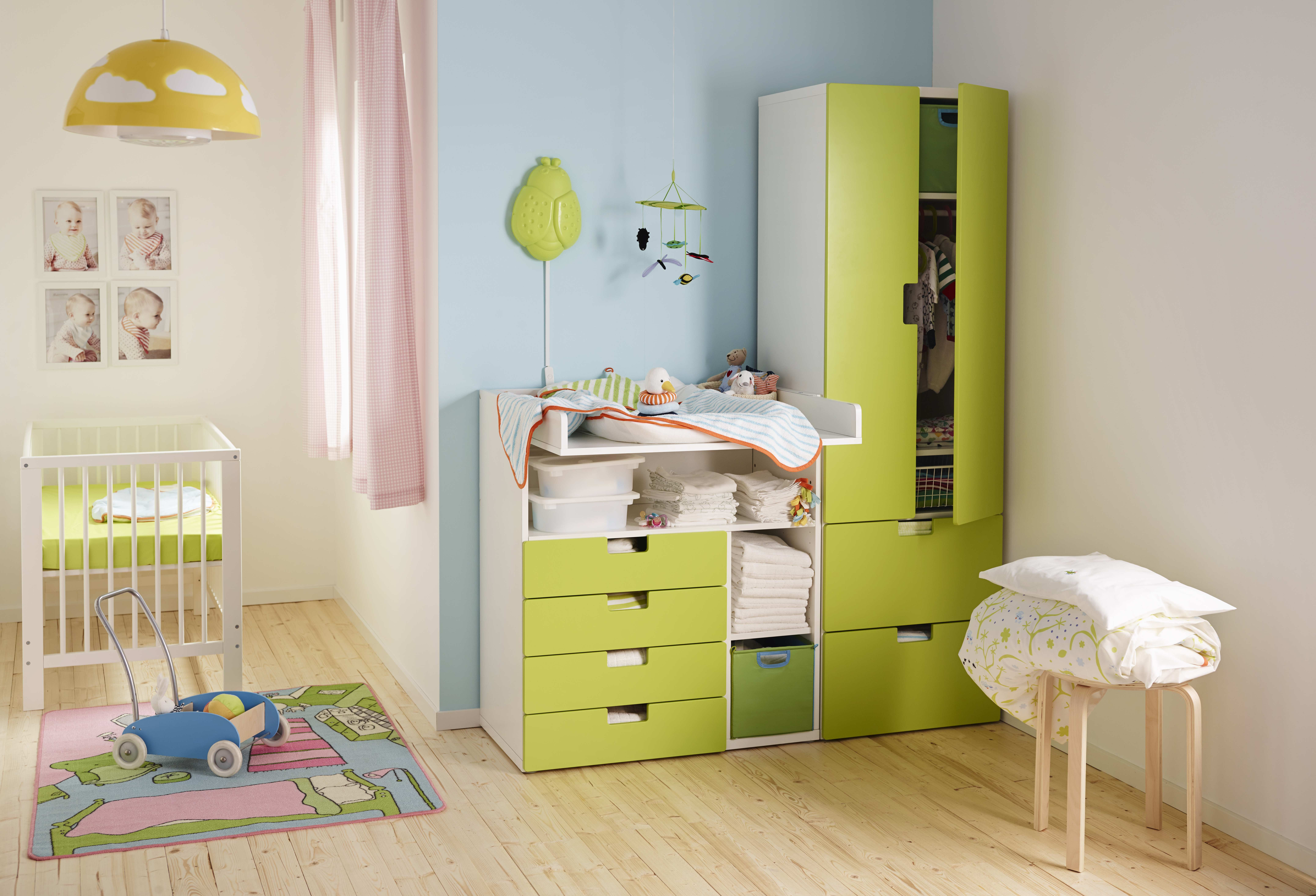 cameretta dei bambini wohnen. Black Bedroom Furniture Sets. Home Design Ideas