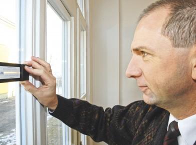 Ein Bauexperte sorgt dafür, dass man niemanden ein X für ein U vormachen kann, zum Beispiel was Energie und Isolation betrifft. (Bild: Der Hausinspektor / easy-pr)