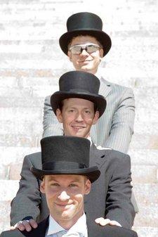 Spontanacts-Gründer Dani Kästli, Florian Specker und Christoph Seitz (von vorne nach hinten) bei Dani Kästlis Hochzeit