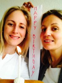 Die beiden Gewinnerinnen Barbara Eyholzer und Regula Häuptli, Geschwister und Gründerinen von bare Food & Living