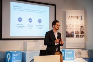 In nur 90 Sekunden müssen die Entrepreneure ihre Startups vorstellen. Thomas Kessler von Locatee macht es gut. Bild: Mirjam Sonner.