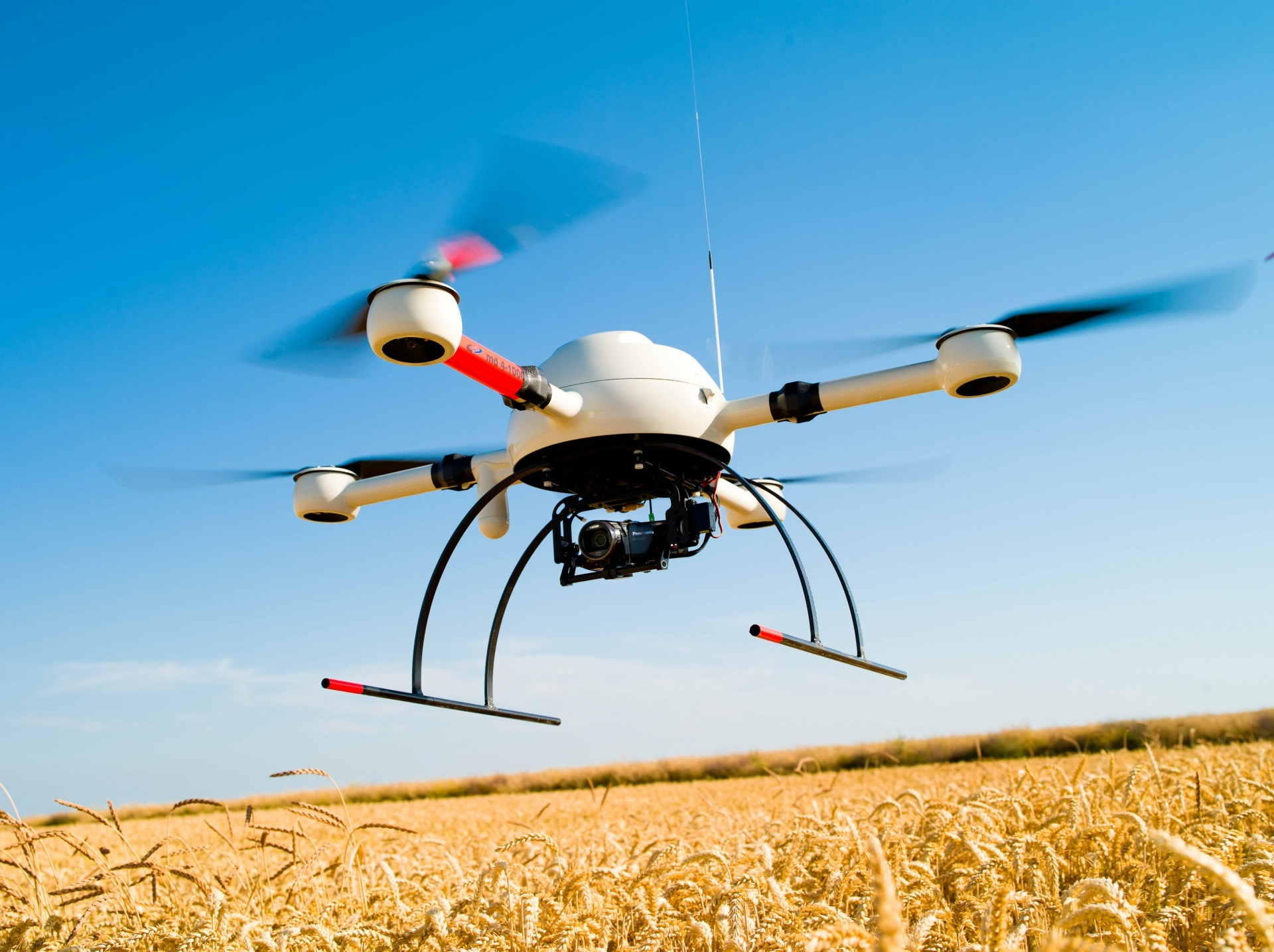farming drones with Die Digitalisierung Der Landwirtschaft on Farming Agriculture Technology additionally Chinas Mega Farm For 100000 Cows also Drones In Agriculture To Be Or Not To Be together with Inter  Things Iot Agriculture besides Aerial Mapping And Topographic Survey Of A Photovoltaic Solar Power Plant Guyana.