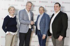 Abacus Research und Lehman+Partner Informatik freuen sich über die Zusammenarbeit